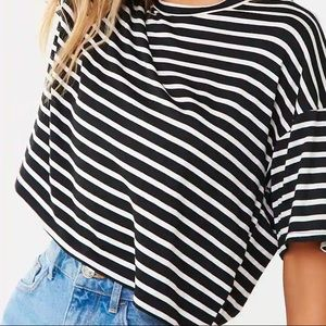 NWT FOREVER 21 Grey/Black Striped Cropped T-Shirt